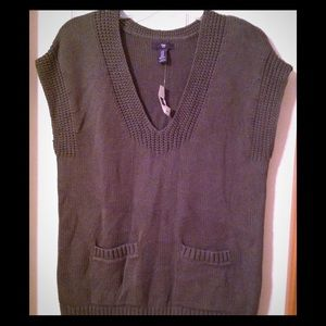 GAP Sweaters - Women's size XS NWT GAP sweater vest
